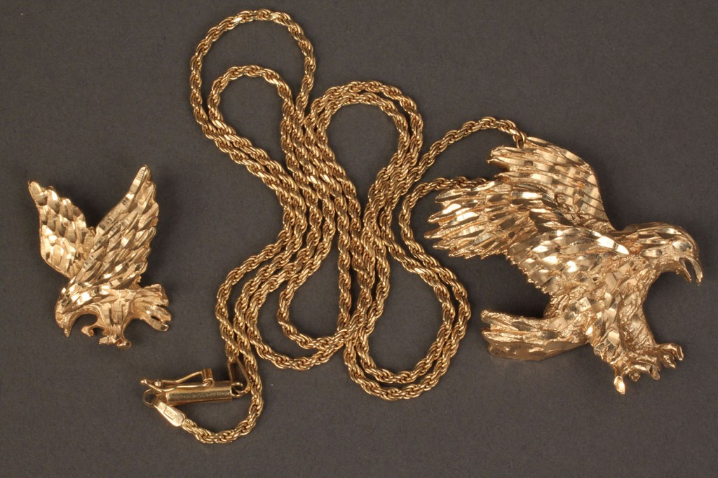 Lot 383: Lot of 2 14K gold eagle pendants & 1 rope chain