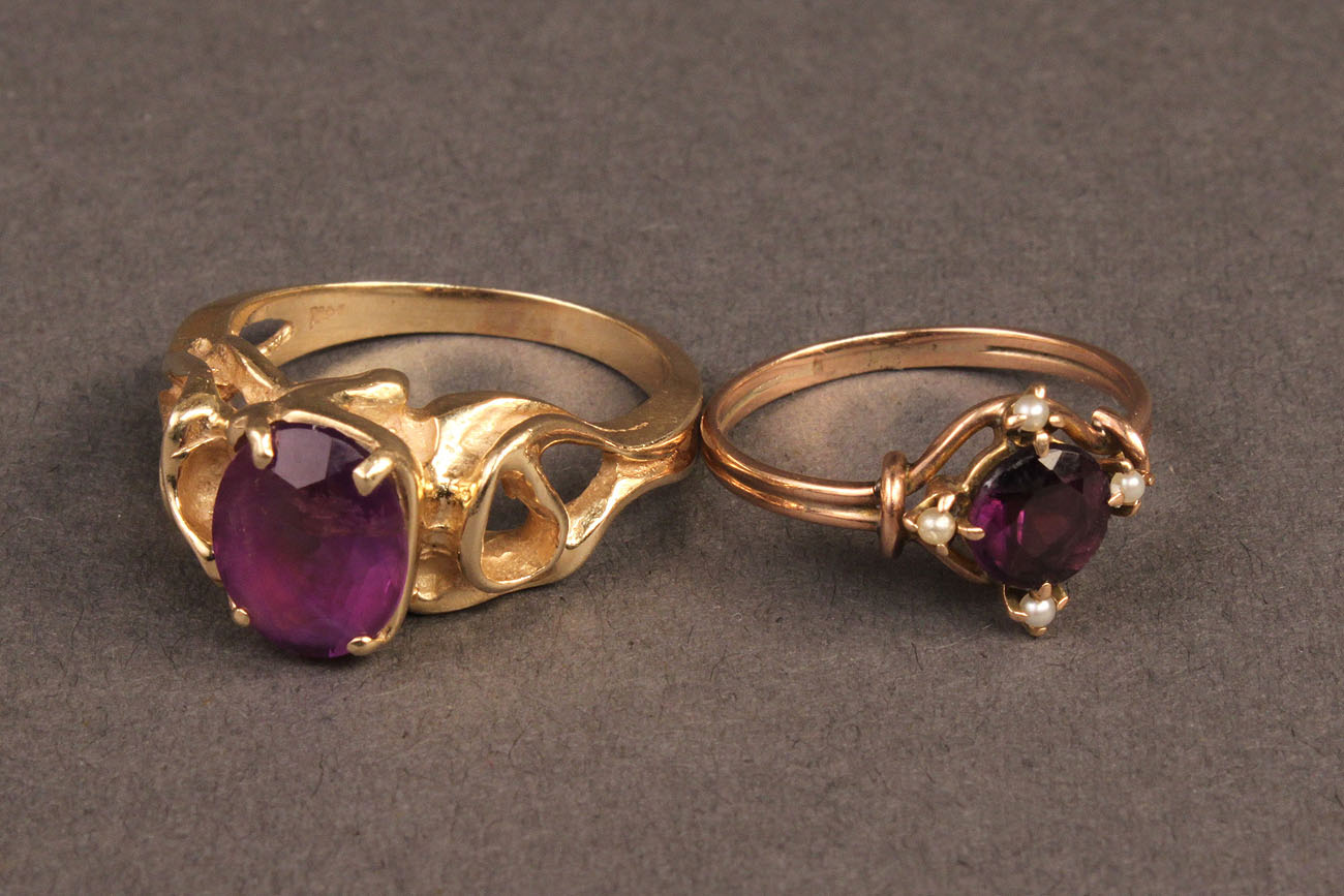 Lot 386 Lot Of 2 Ladies Gold Rings Purple Stones