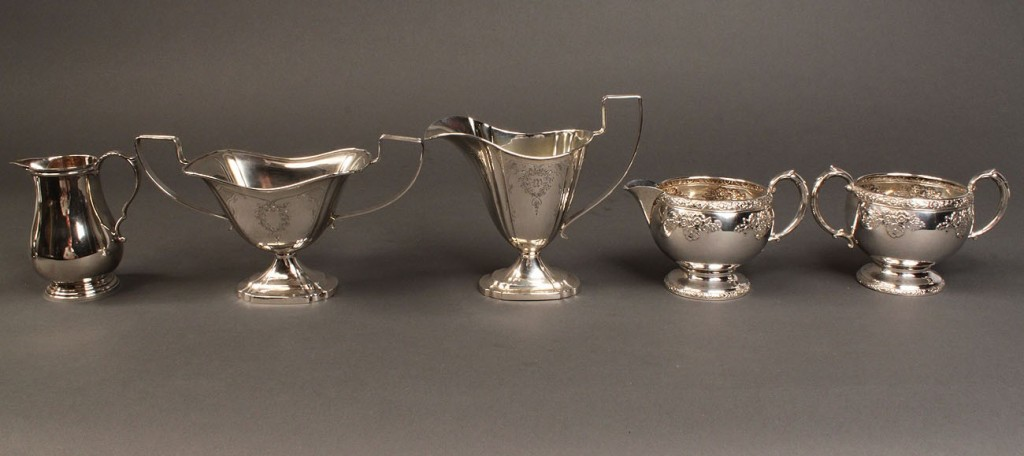 Lot 391: Mixed Lot of Sterling holloware, 6 items
