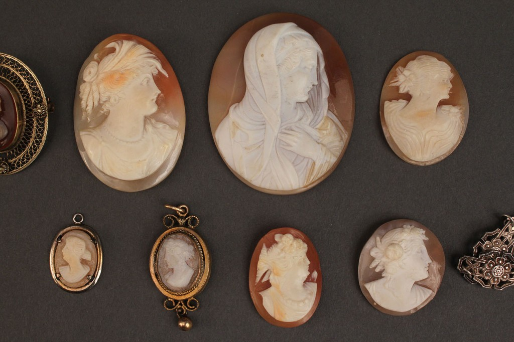 Lot 493: Assorted Lot of Ladies Cameo Jewelry, 17 pieces