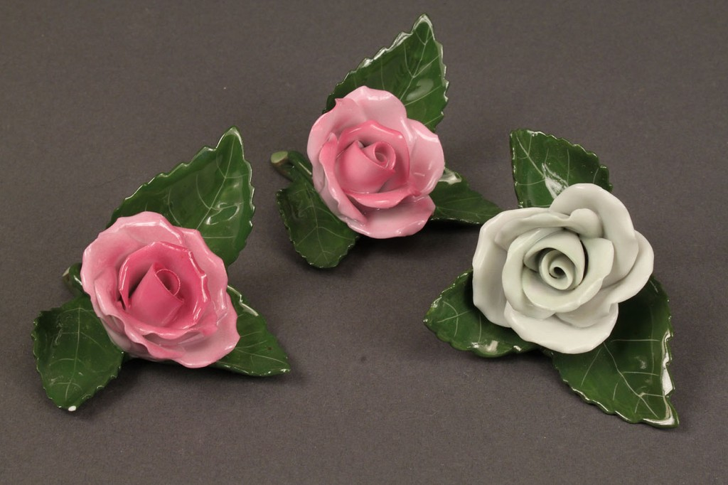 Lot 494: Group of Herend porcelain card holders, 9 pieces