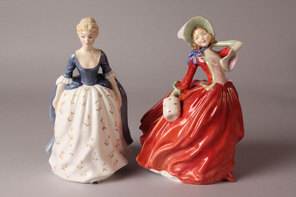 Lot 506: 6 Royal Doulton Female Figures