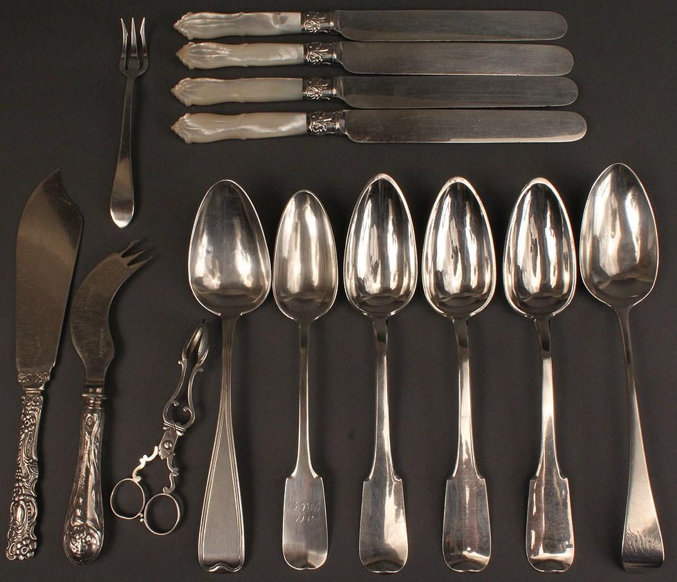 Lot 540: Assorted European flatware, 14 pcs