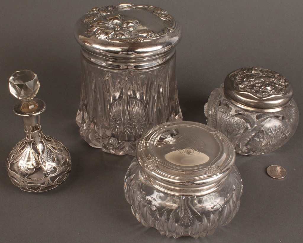 Lot 546: Silver and glass vanity items, 4 pcs