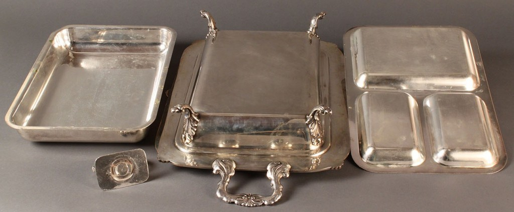Lot 561: Assembled Lot of Silverplated Tableware (7 pcs)