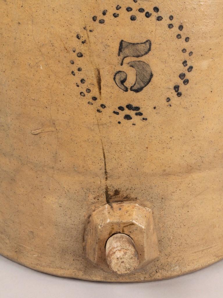 Lot 563: 5-gallon Stoneware Water Cooler, cobalt design