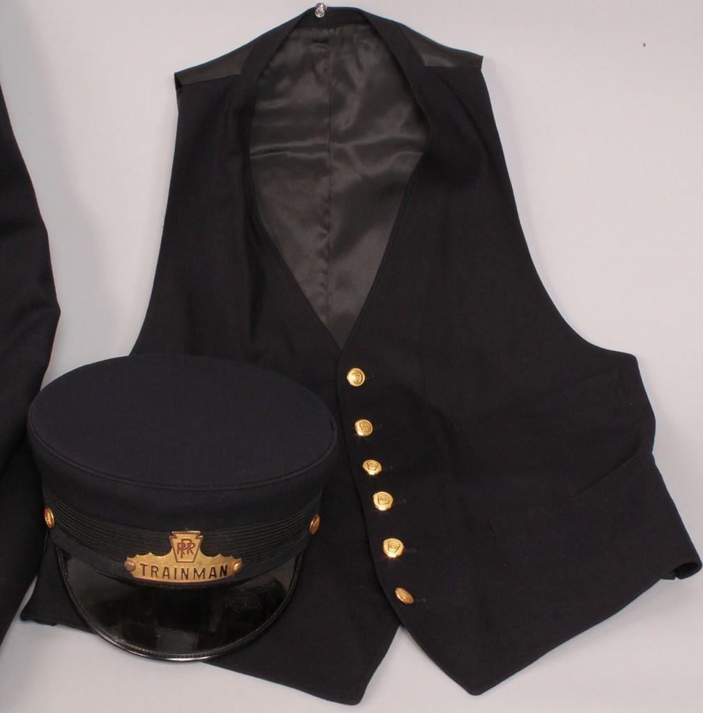 Lot 576: Ass'd Lot of PA Railroad uniform items, 5 pcs