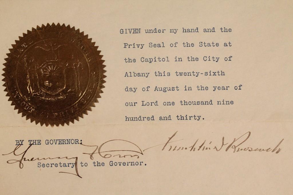 Lot 585: Franklin Roosevelt NY Governor signed letter