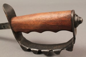 Lot 587A: WWI US Model 1917 Trench Knife Knuckle Duster ACC - Image 5