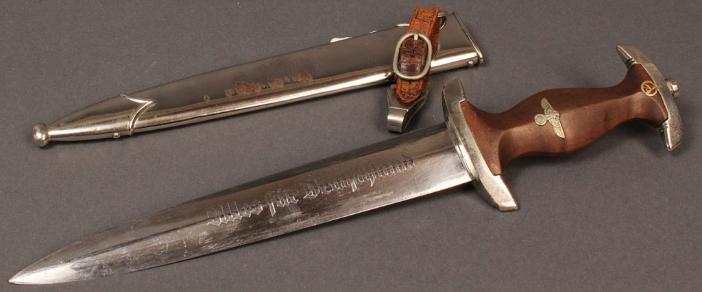 Lot 588: WWII SA Nazi German dagger with hanger