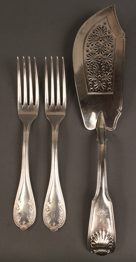 Lot 68: European silver flatware, incl. fish knife, 3 pcs.