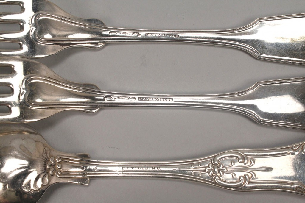 Lot 127: 3 pcs New Orleans Coin silver flatware