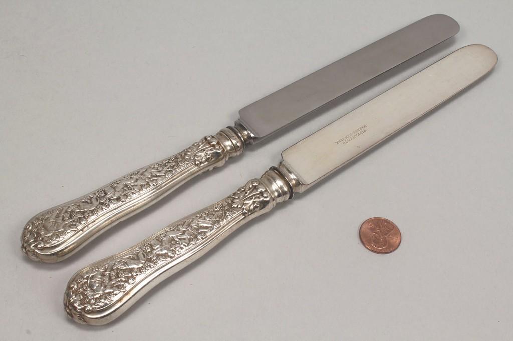 Lot 142: Tiffany Olympian Pattern, 5 Knives