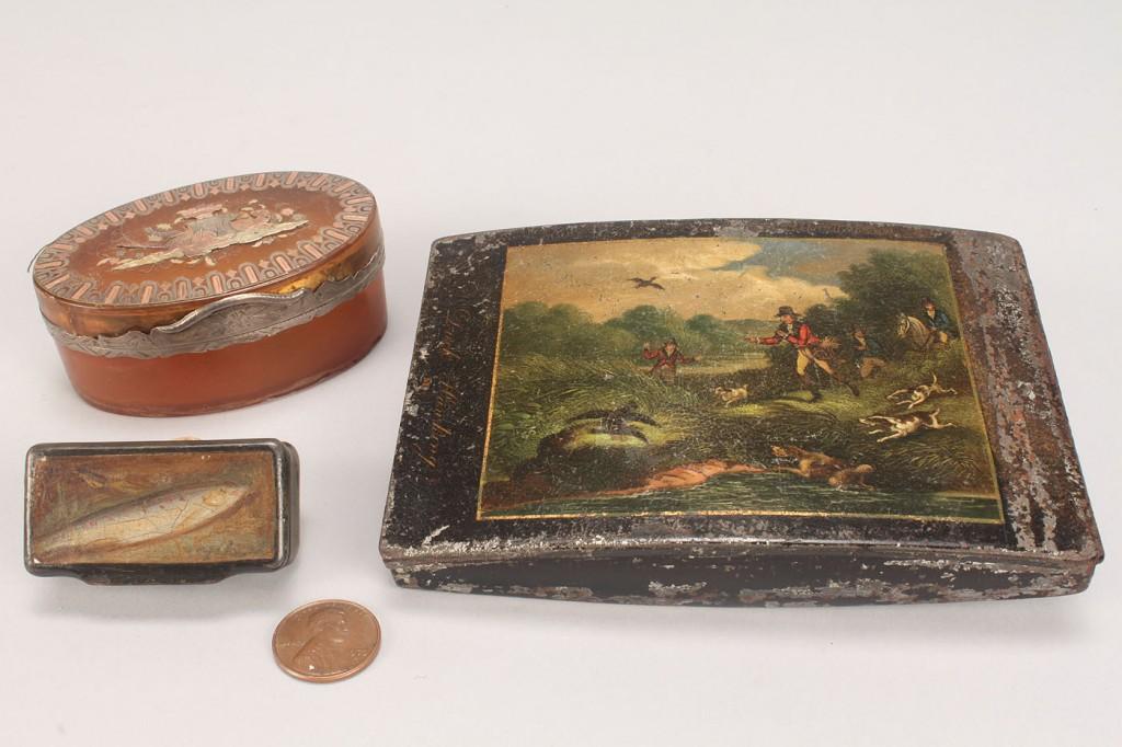 Lot 157: 2 Horn Snuff Boxes & Toleware Cigarette Case