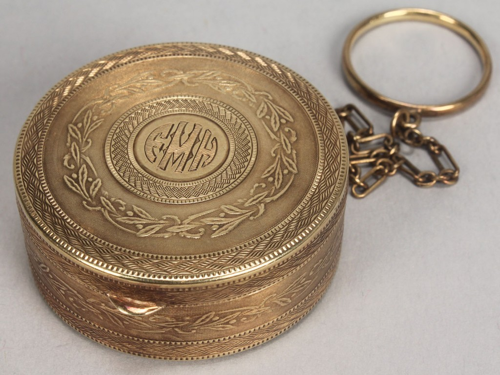 Lot 167: Ladies 14K Gold Compact