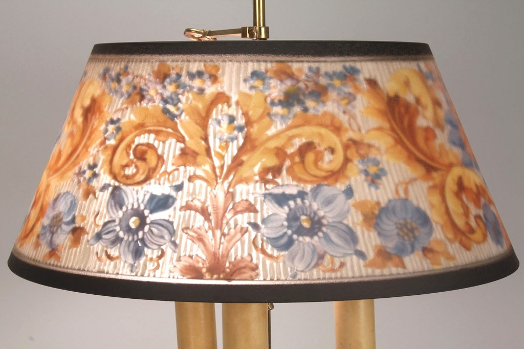 Lot 329: Pairpont Floral Glass Brass Bouillotte Lamp