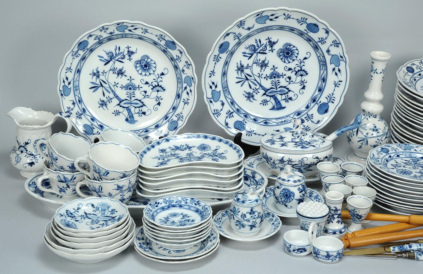 & Lot 345: 83 pcs German Porcelain mostly Meissen oval mark