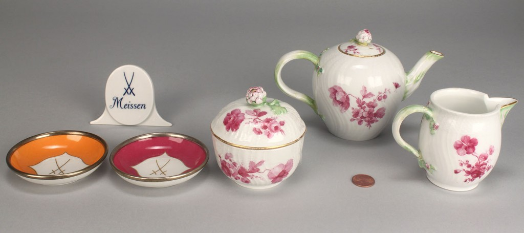 Lot 347: Grouping of Meissen and KPM Porcelain, 6 pieces
