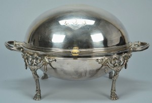 Lot 383: Victorian silverplated revolving breakfast dish