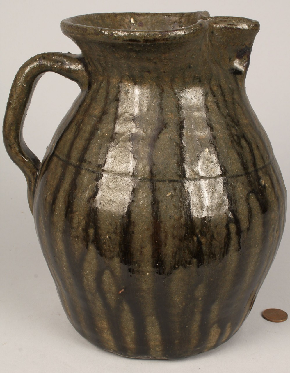 Lot 454: Edwin Meaders jar and Lanier Meaders pitcher