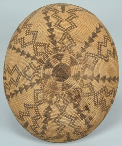 Lot 464: Yavapi Apache Coiled Basket Tray