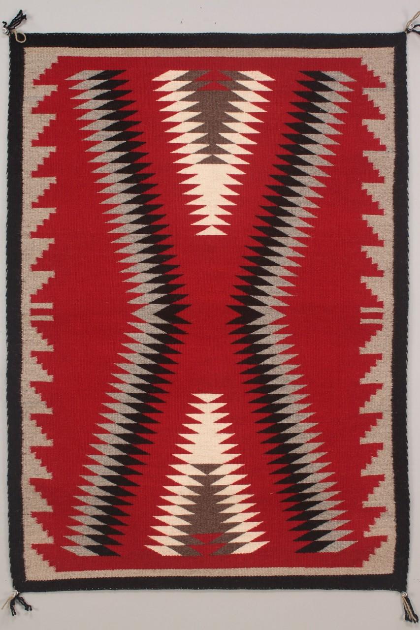 Lot 473: Navajo Weaving/Rug, Serrated Geometric Design
