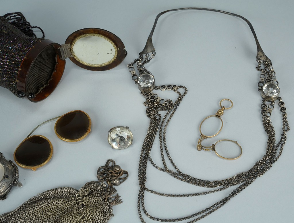 Lot 507: Group Of 1920s Era Flapper Items