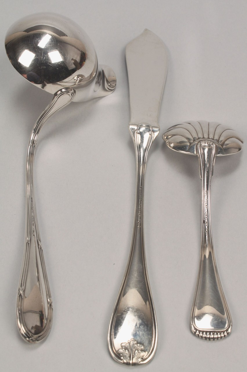 Lot 508: 3 Buccellati Sterling Serving Pieces