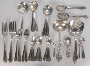 Lot 510: Assorted group of sterling flatware, 32 pcs