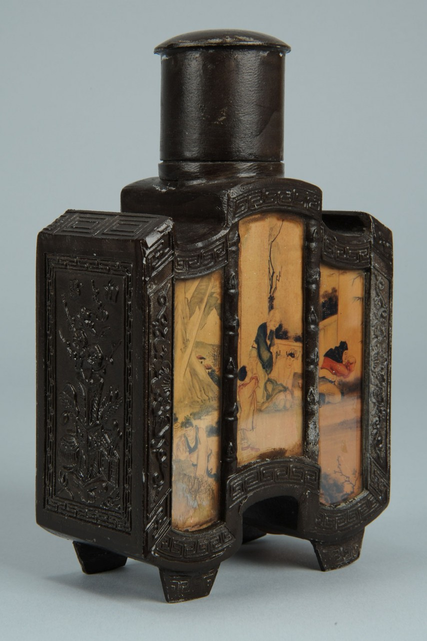 Lot 535: Chinese tea caddy, erotica themed