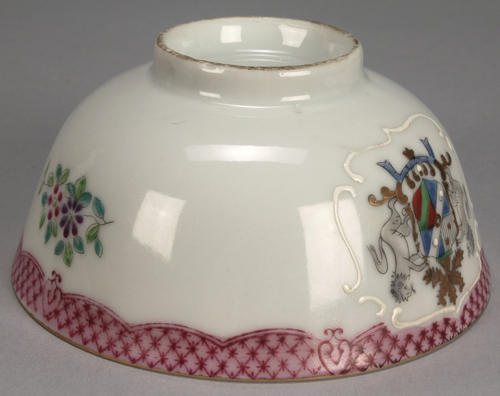Lot 548: Grouping of Asian porcelain items and diorama, 6 p