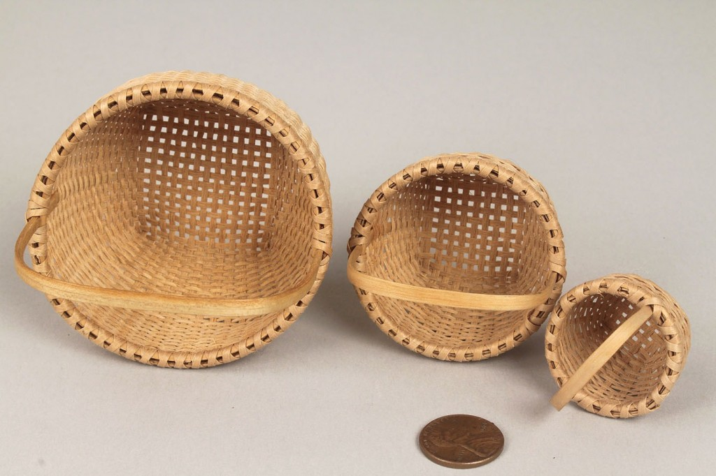 Lot 598: Set of 6 Miniature Baskets