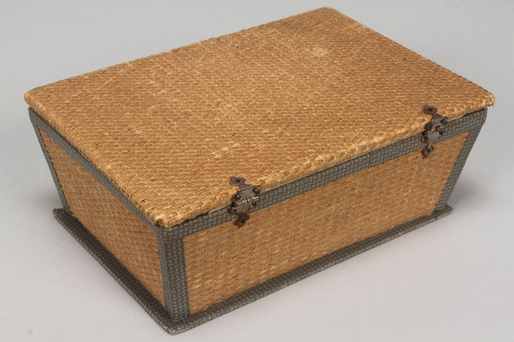 Lot 608: Box of antique sterling silver sewing accessories