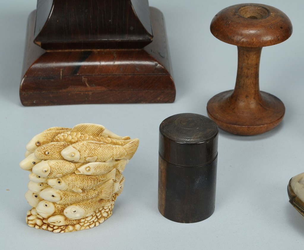 Lot 612: 6 Antique Sewing Items incl. horn and hoof