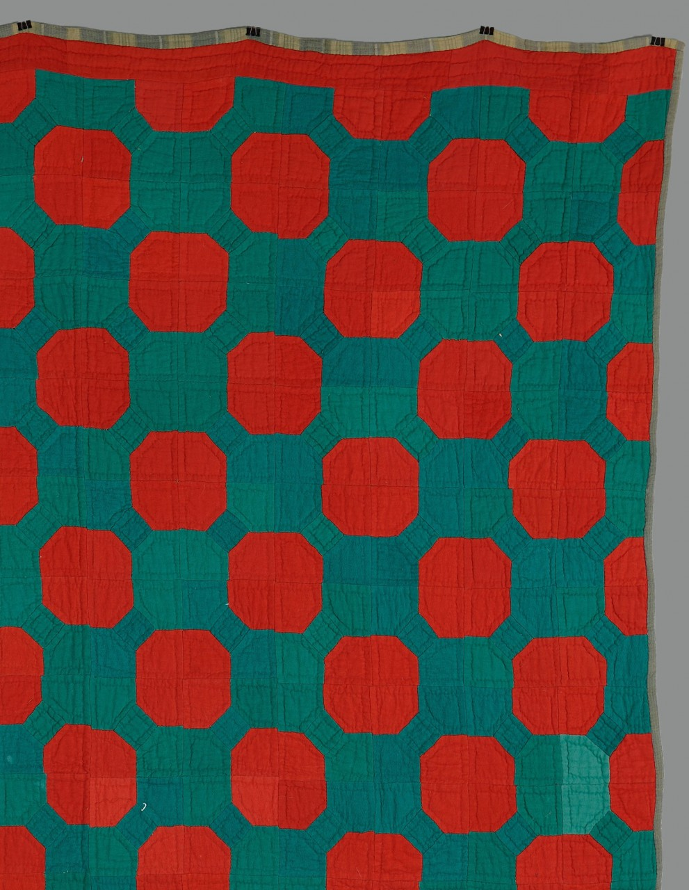 Lot 648: Pennsylvania red and green quilt
