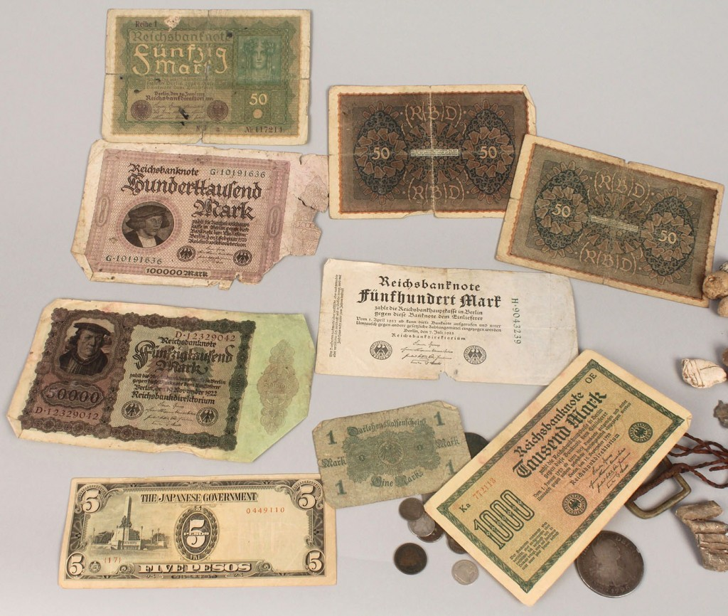 Lot 656: Battle of Franklin excavated relics & old money