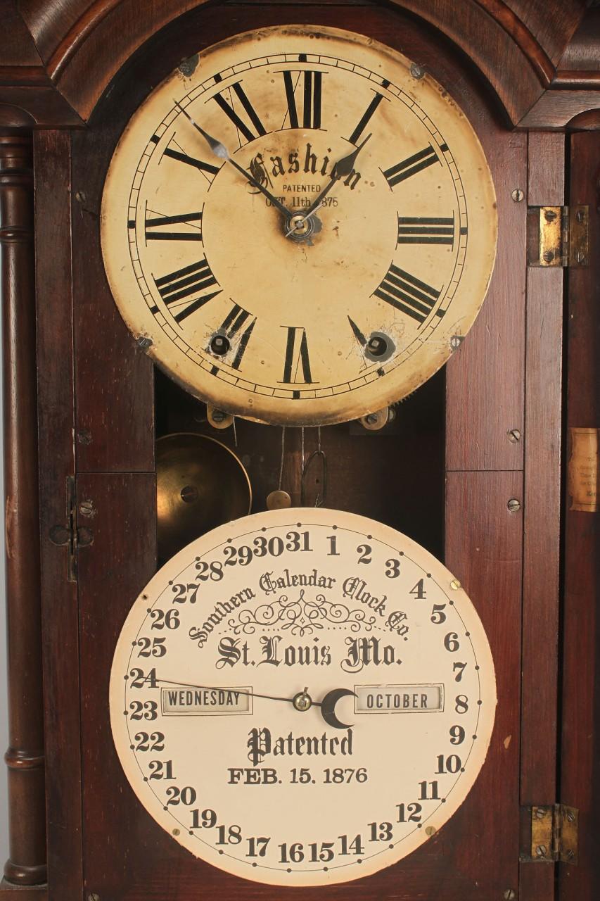Lot 716: Thomas Fashion Double Dial Southern Calendar Clock