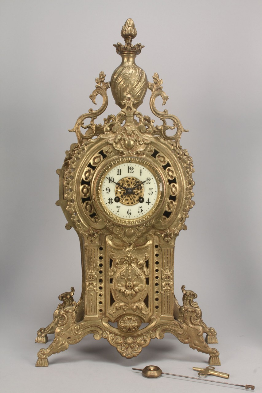 Lot 717: 3-piece French Clock Garniture Set