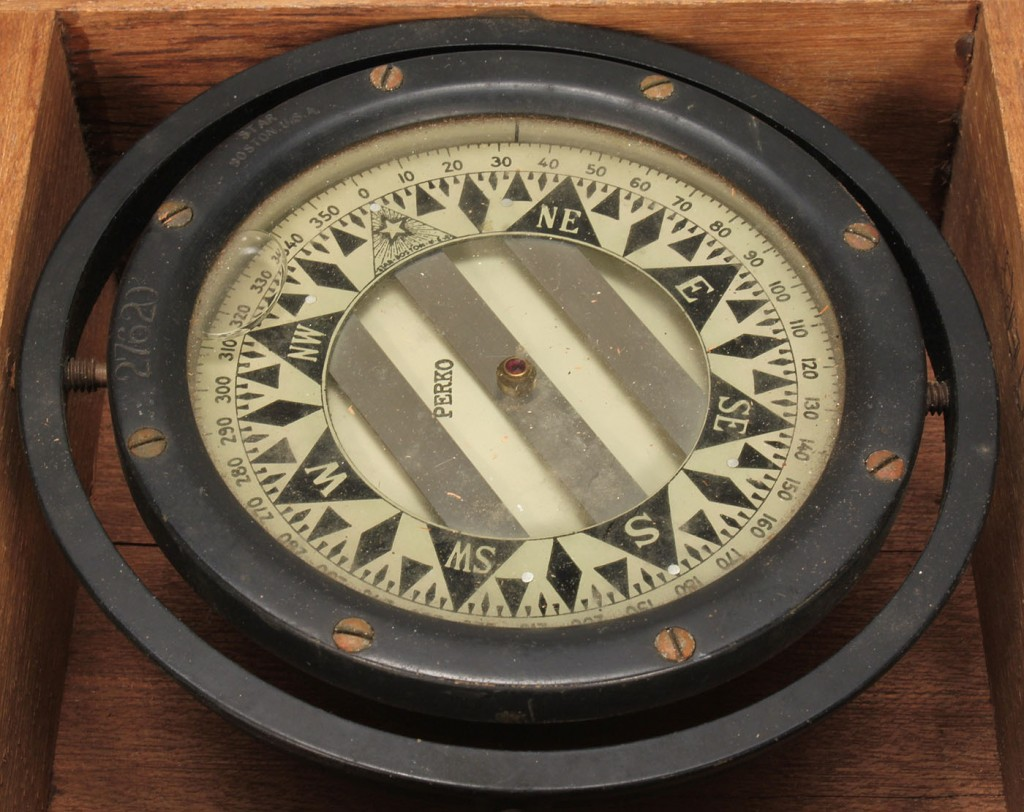Lot 721: Star Compass in wooden box