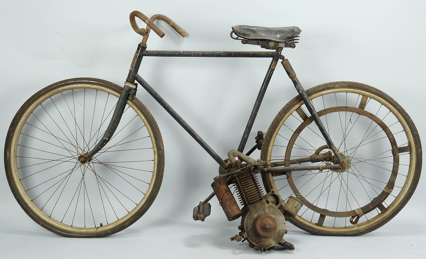 Lot 725 monarch 1903 bicycle w shaw attachment motor for Clayton motor co west knoxville tn