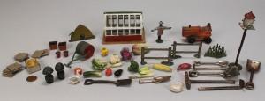 Lot 732: Collection of Miniature farm novelties