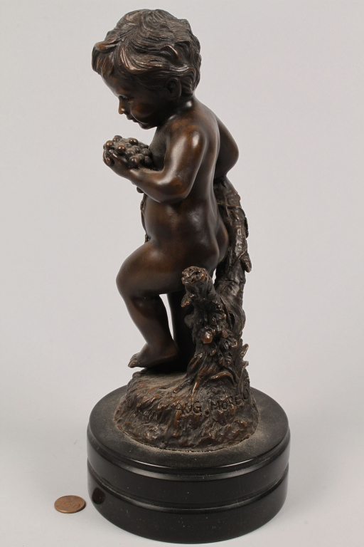 Lot 765: After A. Moreau, Bronze Putti Figure