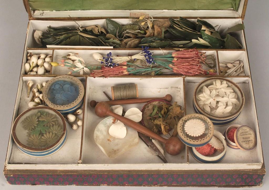 Lot 796: Flower Drying Box w/ Paris label