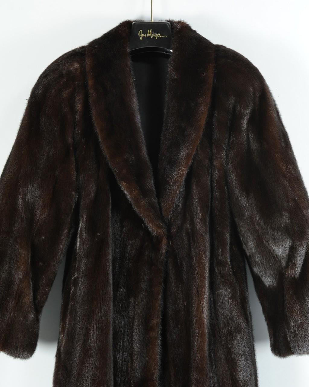 Lot 798: Gus Mayer Women's Full Length Mink Coat