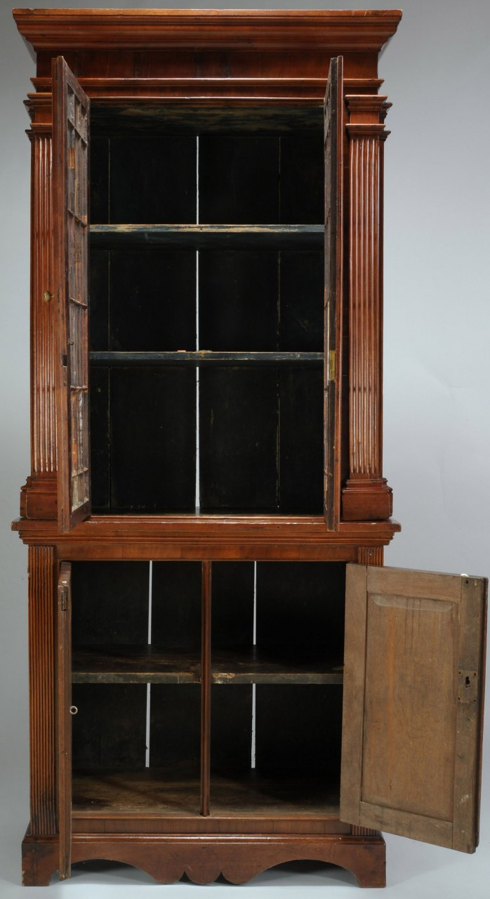 Lot 85: Early 19th C. Southern bookcase or press