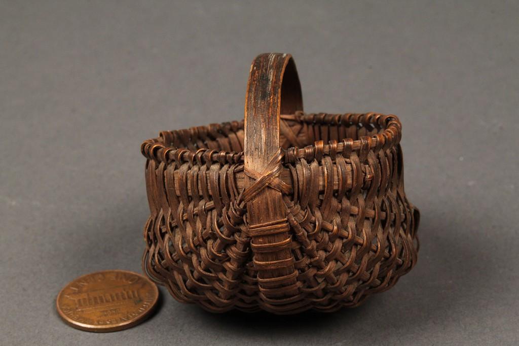 Lot 135: Exceptional miniature TN buttocks basket