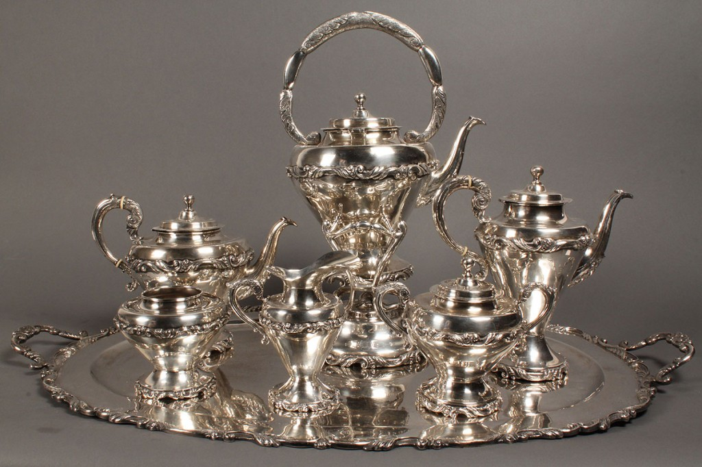 Lot 159: Mexican Sterling Tea Service, 389 troy oz.