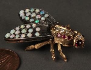 Lot 163: 14K Gold Bee Brooch with gemstones