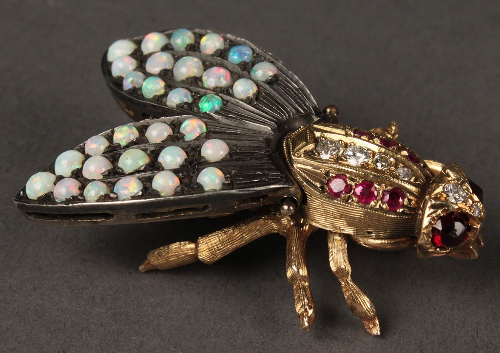 Lot 163: 14K Gold Bee Brooch with gemstones