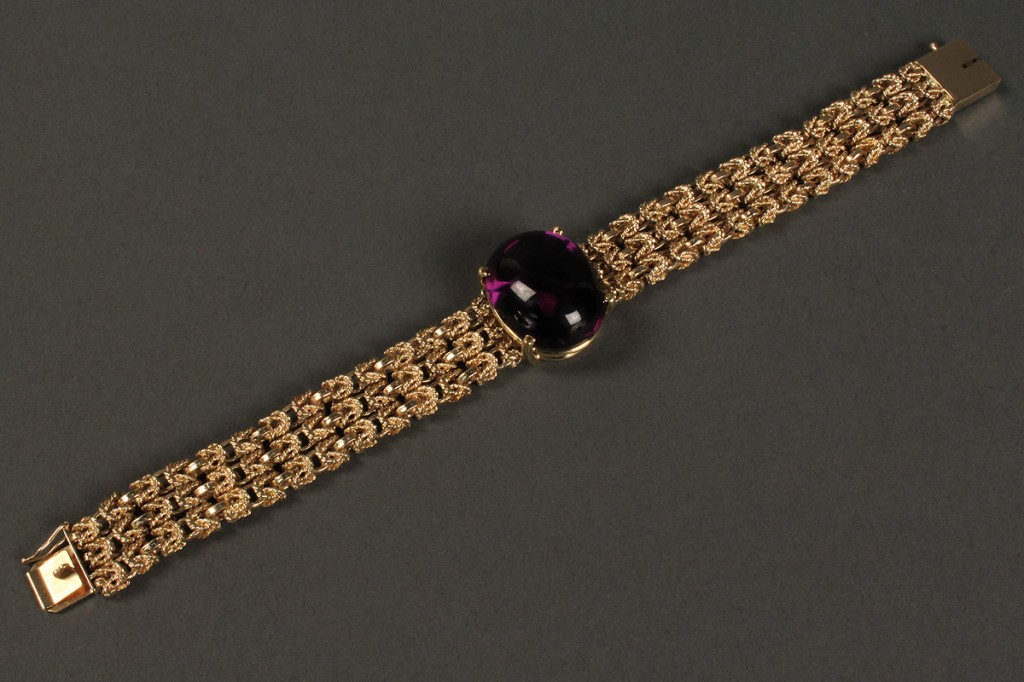 Lot 169: 14K Gold Chain Bracelet w/ purple stone